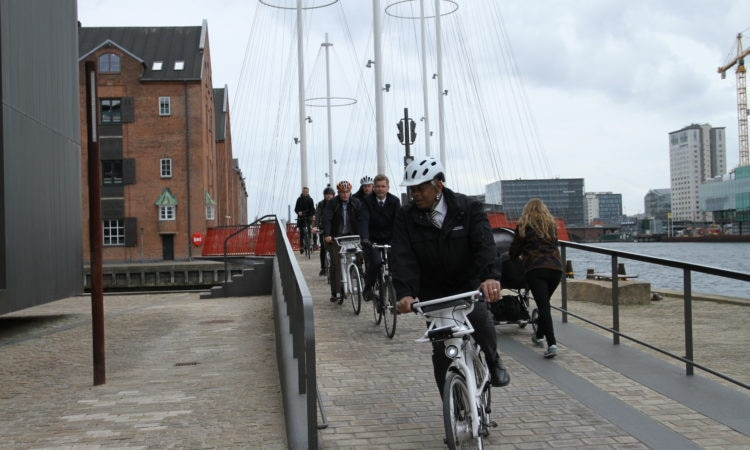 Secretary Foxx and the delegation biking on Islands Brygge. Photo: U.S. Embassy